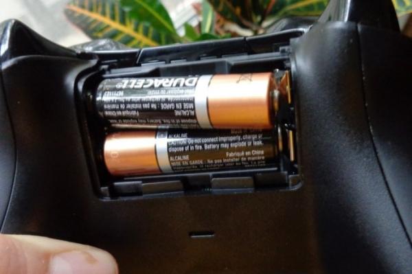 Microsoft опровергла слухи о том, что контроллер Xbox Series работает на батарейках из-за сделки с Duracell
